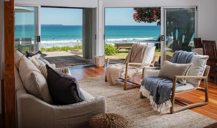 The Beachhouse- absolute beachfront!