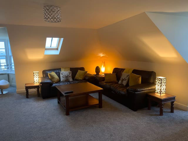 Ayr Loft Apartment with Fabulous Views