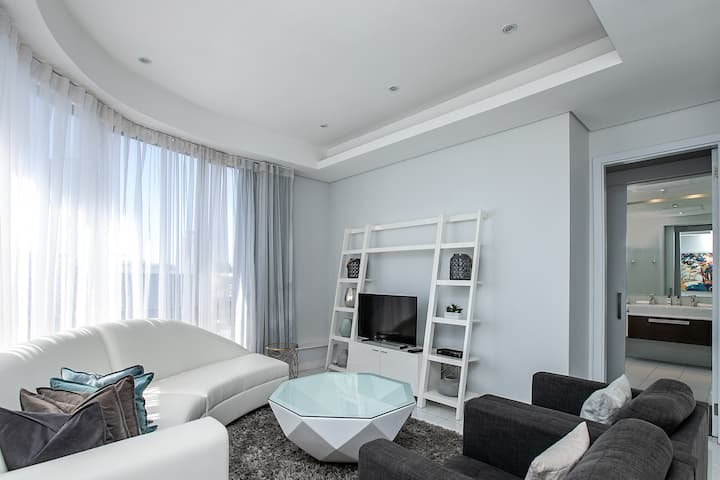 1007A Sandton Skye One Bedroom Apartment