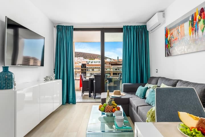 Modern Apartment in the Center of Los Cristianos 1