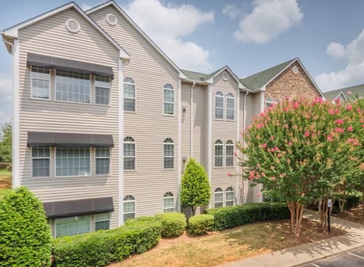 Luxury Furnished 3BDR 2BATH Greensboro, NC Apt