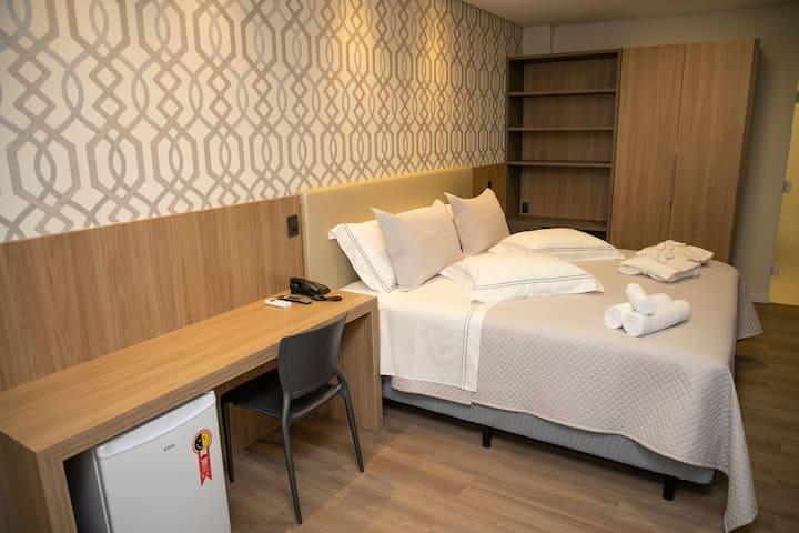 Quarto Hotel - Suíte 22m² com Hidromassagem