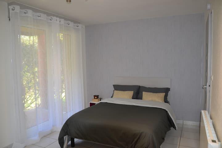 Appartement meublé en résidence avec jardin privé