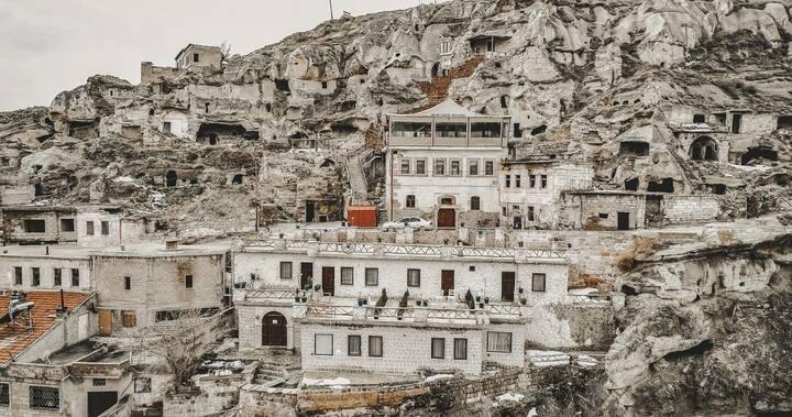 Cappadocia Nar Cave House / Yuva Cave Room