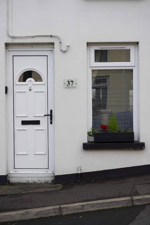 Central stay Bangor town house