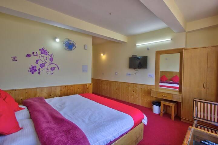 The kalpana cottage room no:-102 (beautiful view)