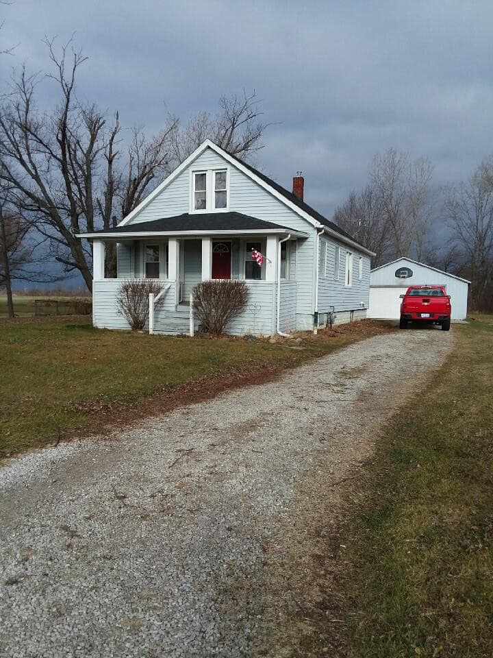Rural, country home .  Close to Metro Airport.