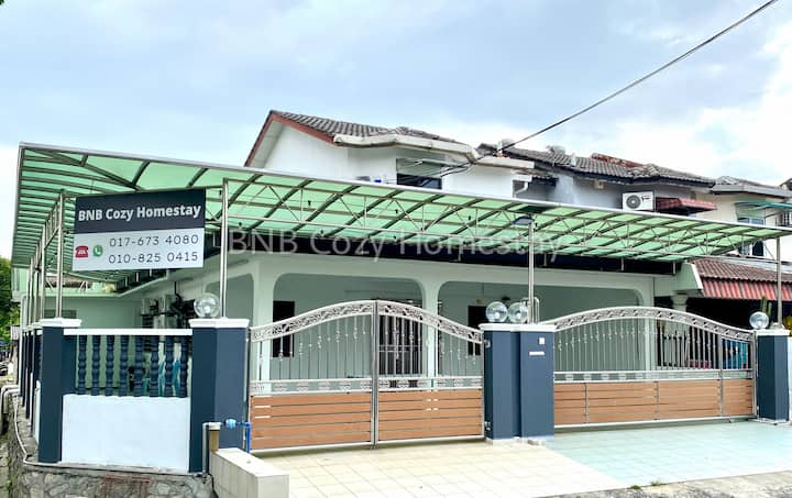BNB Cozy Homestay @ Bdr Country Homes (Corner Hse)