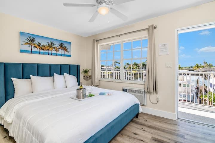 Latitude 26 Ft Myers Beach -Waterfront King Studio
