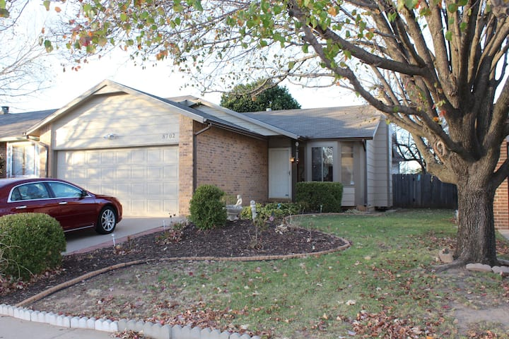 Cozy & Stylish Home in West Wichita