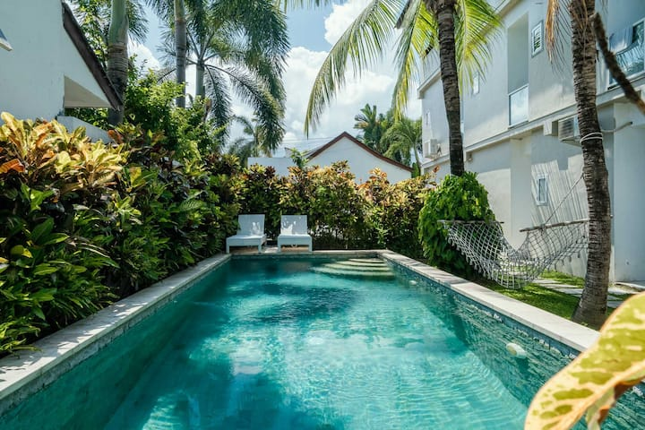Cozy Canggu Apartment with Pool 5 min to the Beach