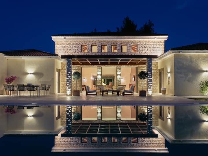 Royal Residence, a Legendary Retreat