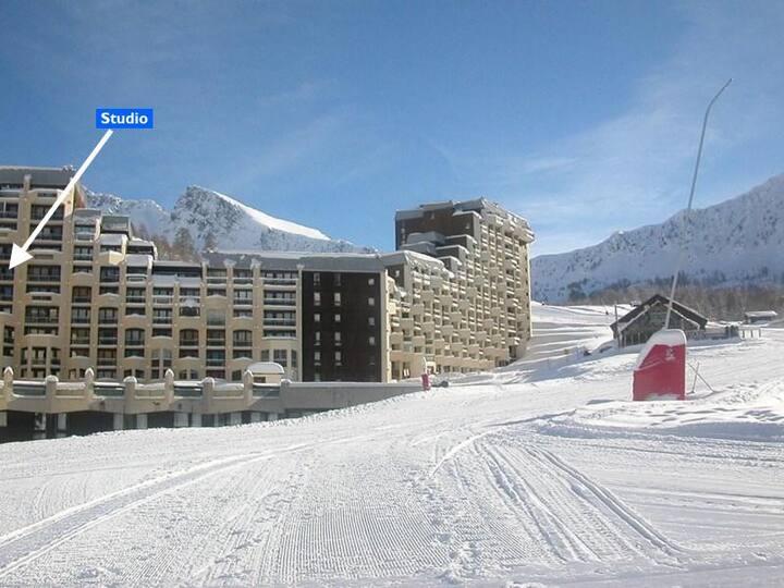 Studio sur les pistes, accès direct front de neige