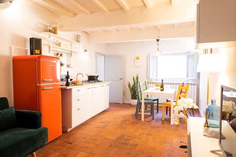 橙色托斯卡纳公寓