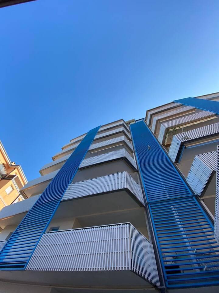 Appartamento centrale e moderno piano alto