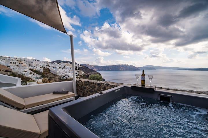 Solstice Grande Suite-Hot Tub-Oia View-Breakfast