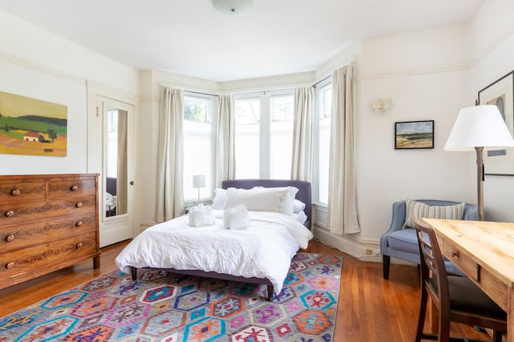 2BR Garden Cottage Nestled in the Heart of SF!