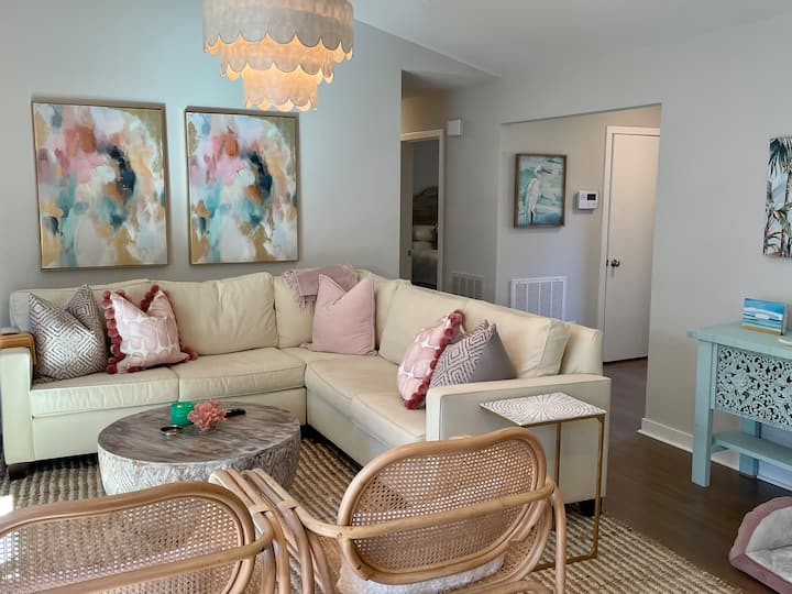 Middle Sound Loop Guest House! *Near Intracoastal*