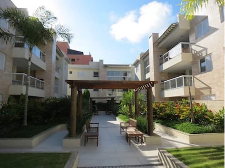 Apartamento com Varanda Gourmet a 150m da Praia