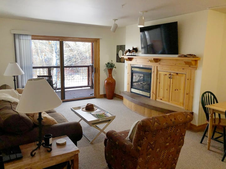 Close to Targhee - 1 Bedroom Condo with Hot Tub