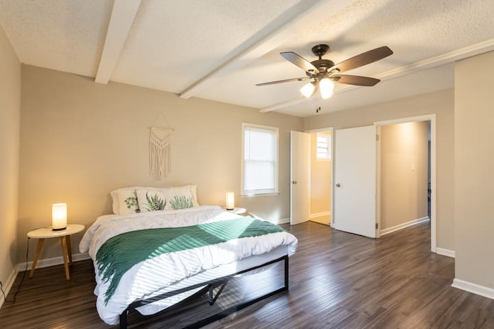 Master Bedroom with a comfy Queen bed!