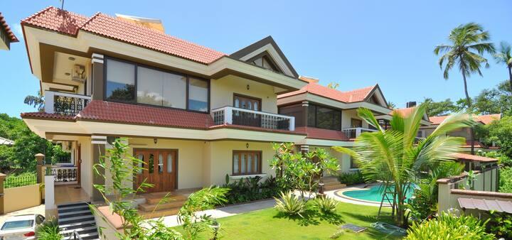 Charming Premium 4BHK Pool Villa by EKOSTAY