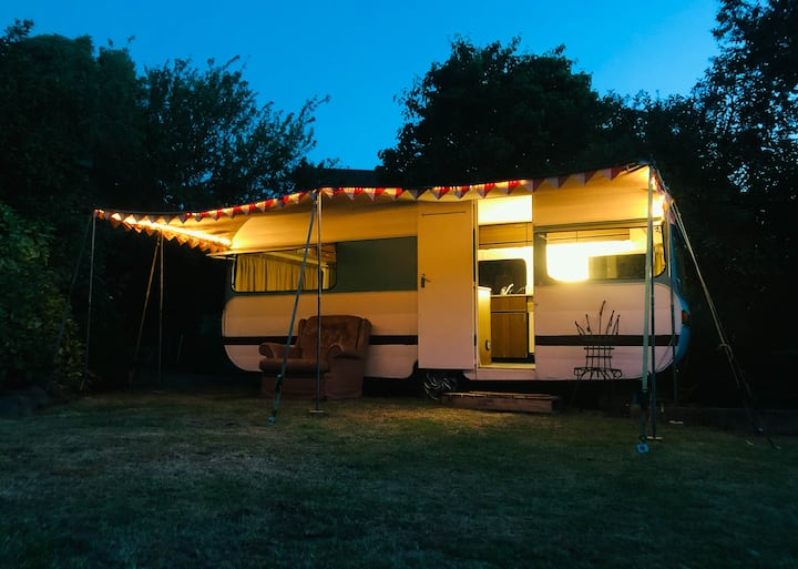 Glamping in Style - Warm Retro Caravan and SPA