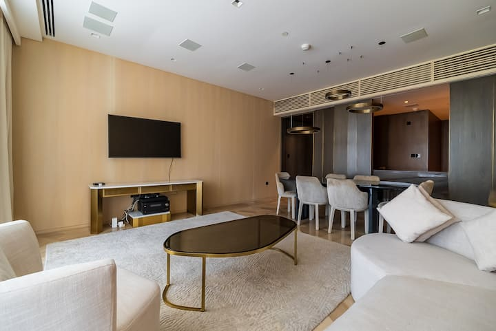 Phenomenal Two Bedroom at FIVE Palm