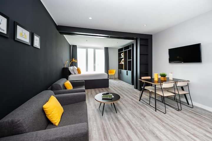 Staycity Serviced Aparthotel One Bedroom Open Plan