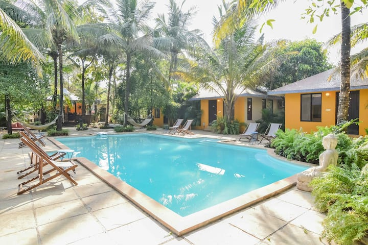 6 Room Luxury Cottage Villa with Pool - Awas Beach