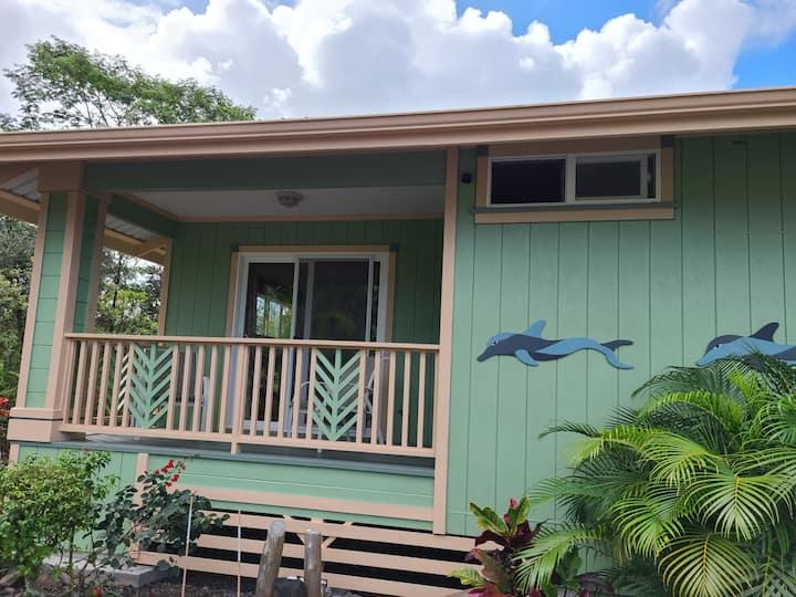 Hawaii luxury vacation studio--free washer/dryer!
