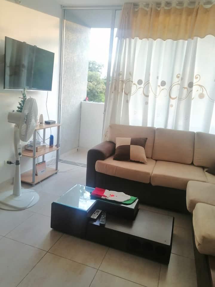 Apartamento amoblado en Melgar con piscina