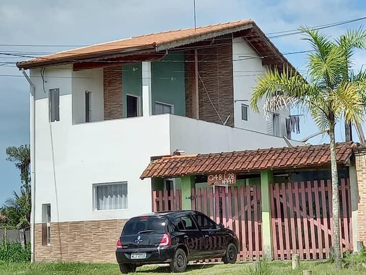 Casa na praia de Boraceia  Bertioga.