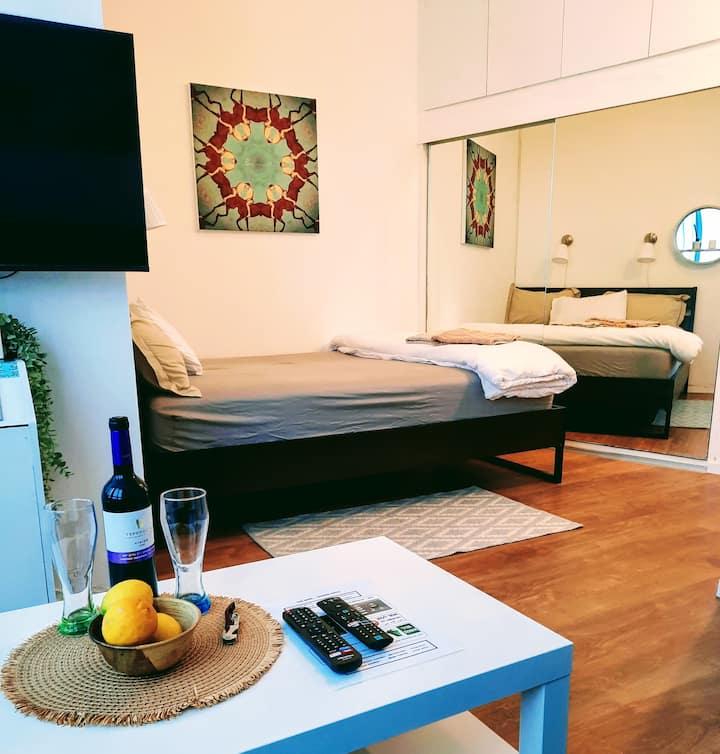 דירה מפנקת על חוף הים | apartment near the beach
