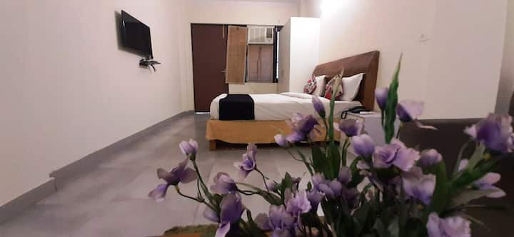 Monthly Stay/Long Term Stay Near Gurgaon