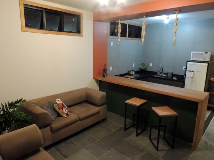 Ap 2QTS: localização, espaço, estilo e conforto