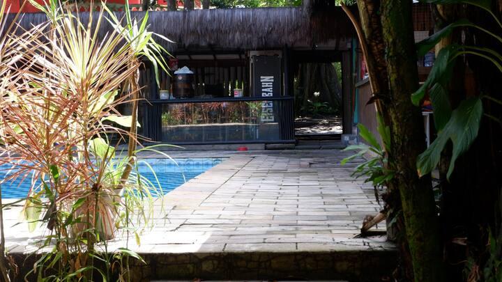 Hostel Saruê, praia, piscina, bar e restaurante