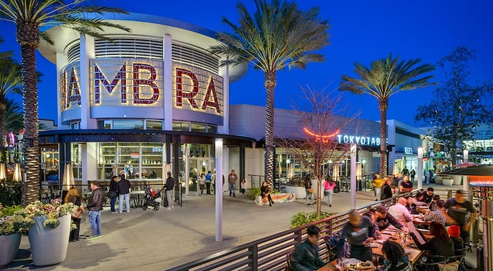 B) Modern Condo 3b3b near Downtown LA / Alhambra