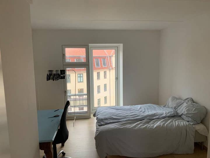 20 square meter room close to the city center