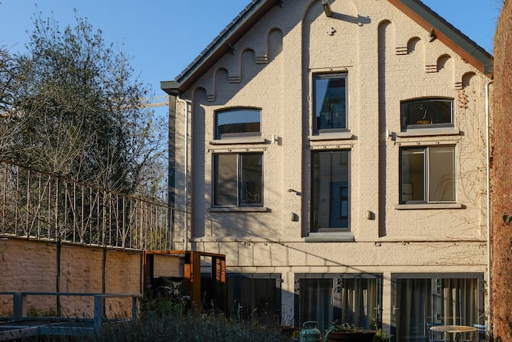 Charmant guesthouse in de tuin