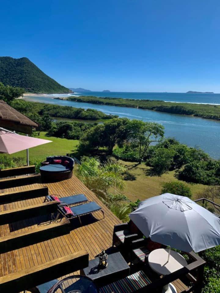 Casa de Praia com Piscina e Vista Espetacular