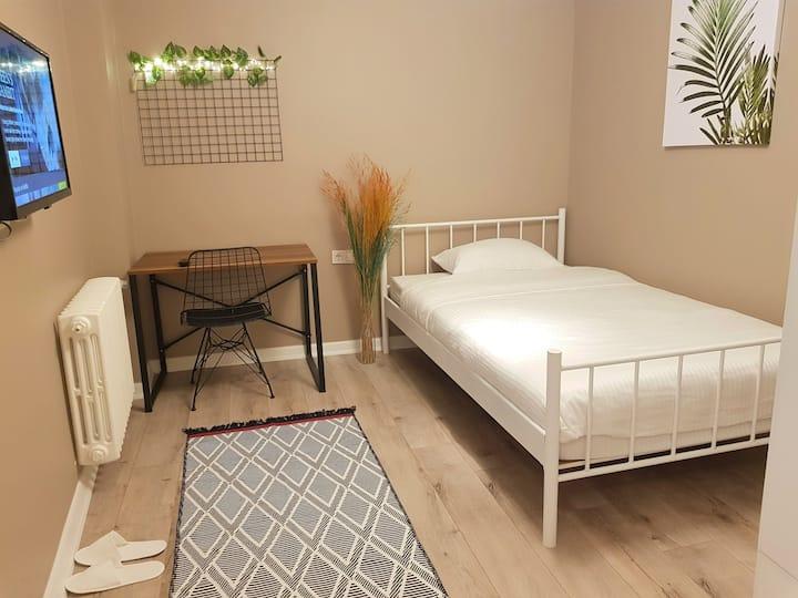 Single Room in Kadikoy Center - Room 203