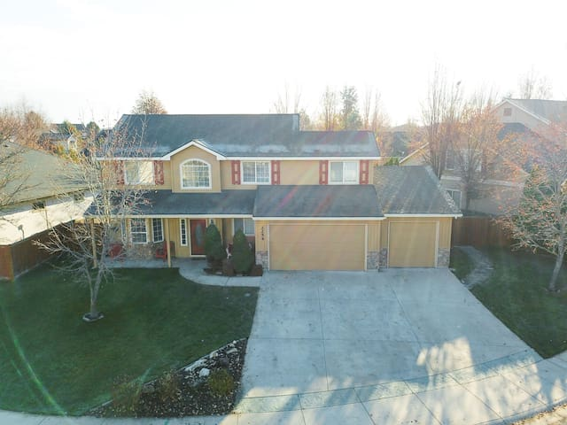 CHEERFUL SANCTUARY **NEW LISTING IN MERIDIAN, ID**