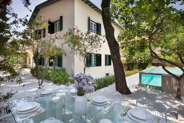 Stunning Designer Villa with glass pool in Glyfada
