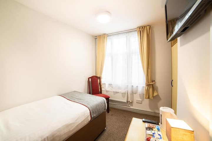 Royal Hotel Kettering - Single
