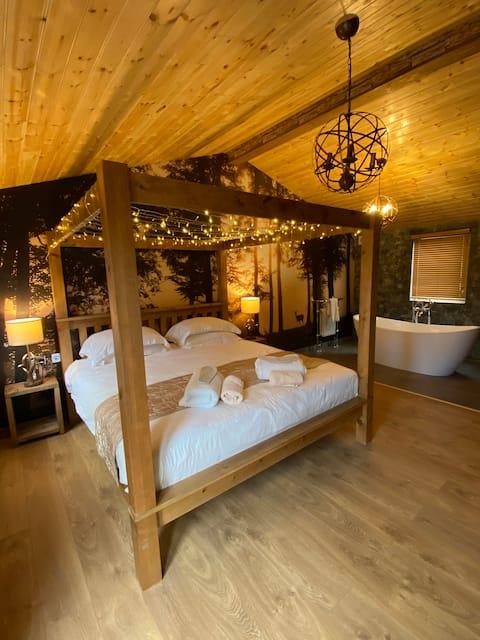 Roe Lodge @ Owlet Hideaway - Hot Tub near York