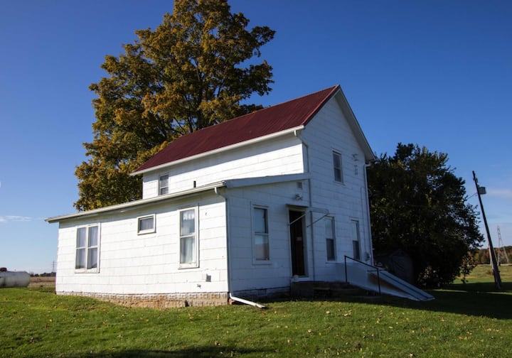 Serenity Now! Farmhouse with 10 acres/3 acre pond