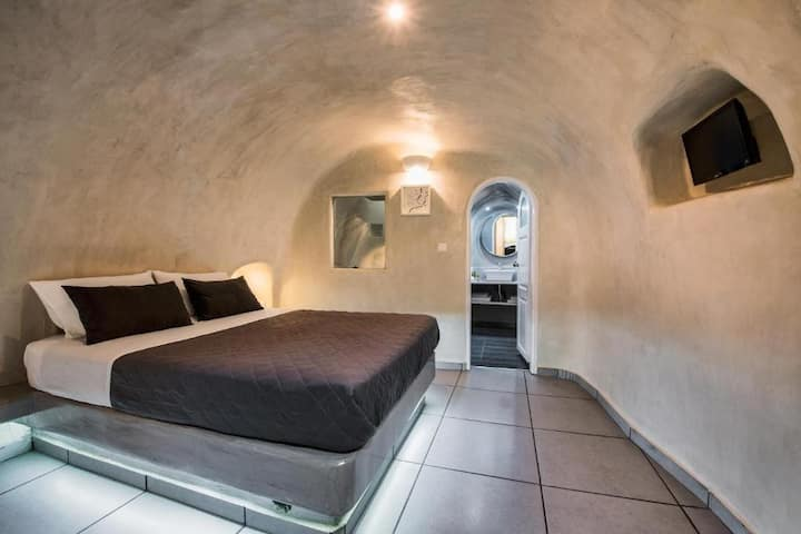 Superior Traditional Cave Double Room - Katerina's
