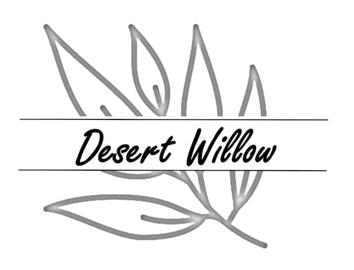 Desert Willow *Perfectly Located off I-40*