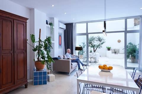 Nordic Stay Valencia loft con patio. Zona Ruzafa.